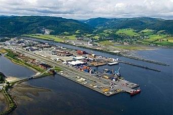 Containerne på vei til Orkanger