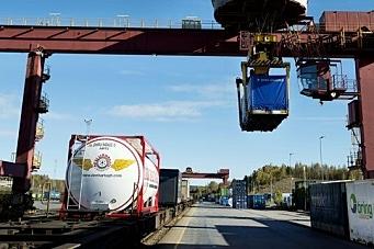 Overtar driftsansvaret for godsterminaler
