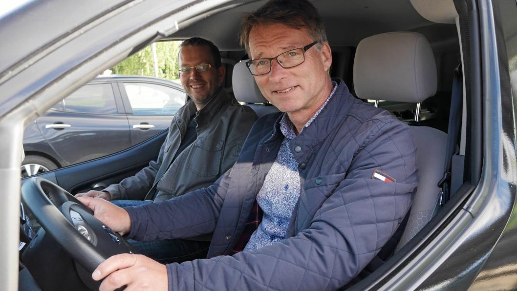 GRØNN DUO: Sture Portvik og Oslo kommune er i førersetet når det gjelder elbiltilrettelegging, mens Petter Haugneland i Norsk elbilforening er fornøyd passasjer.