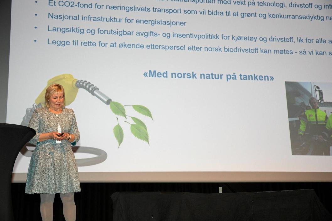 Konserndirektør Logistikk Aniela Gjøs i Tine fortalte forsamlingen om Tines satsing på å kutte 75 prosent av sine utslipp innen 202.