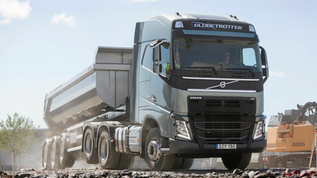 Forskere fra Örebro universitet skal forske på Volvo Lastvagnars bruk av normer når de utvikler nye lastebiler. Dette skal blant andre komme kvinnelige lastebilsjåfører til gode. Foto: Volvo