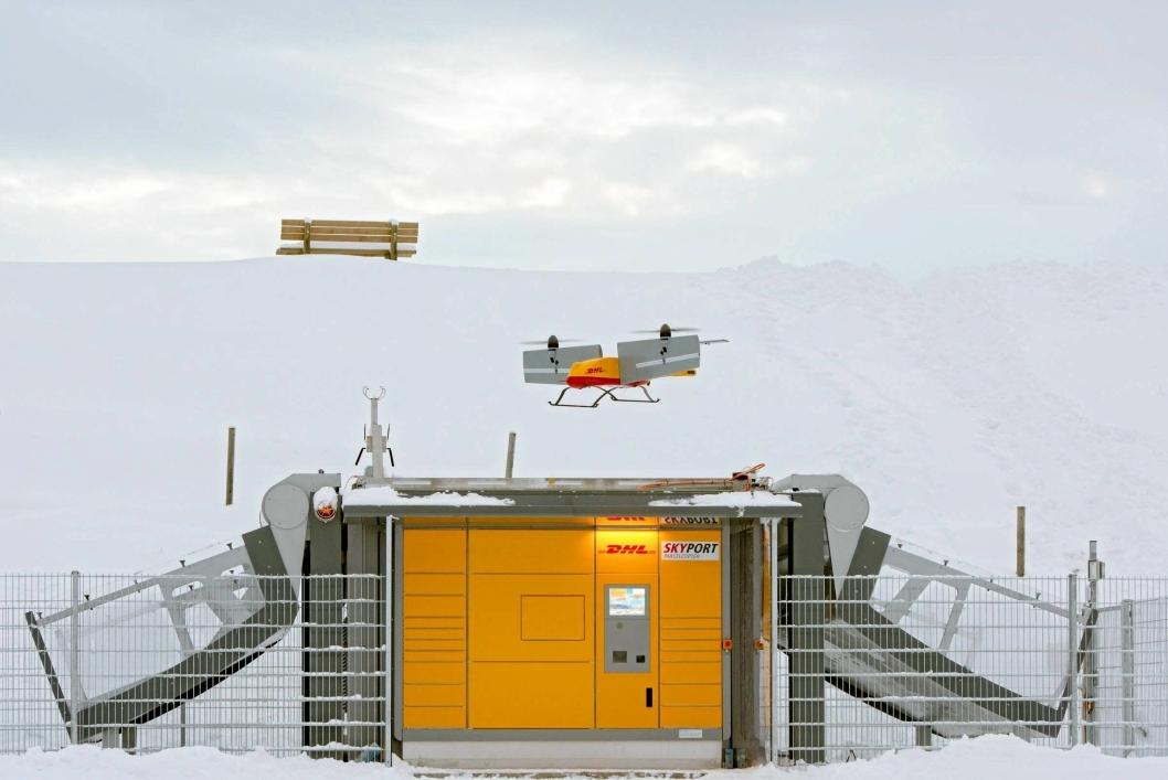 DRONE: I tre måneder har DHL testet siste generasjonsdroner for å levere pakker i alpebyen Reit im Winkl.