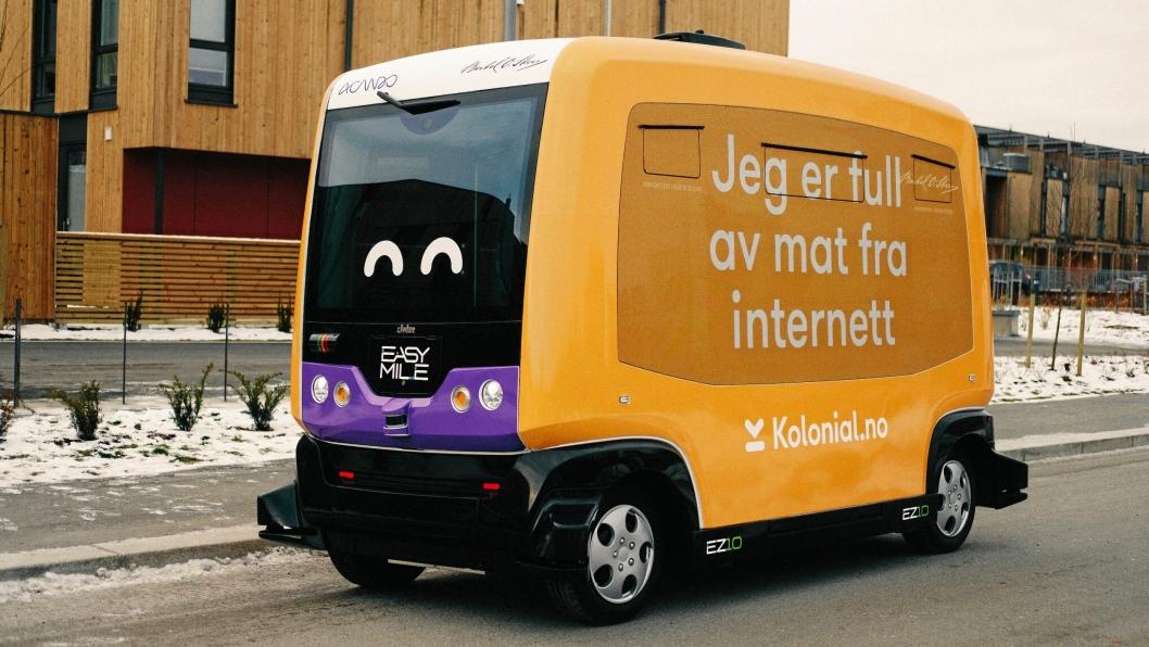 Her er den selvkjørende matbutikken i aksjon på Fornebu.