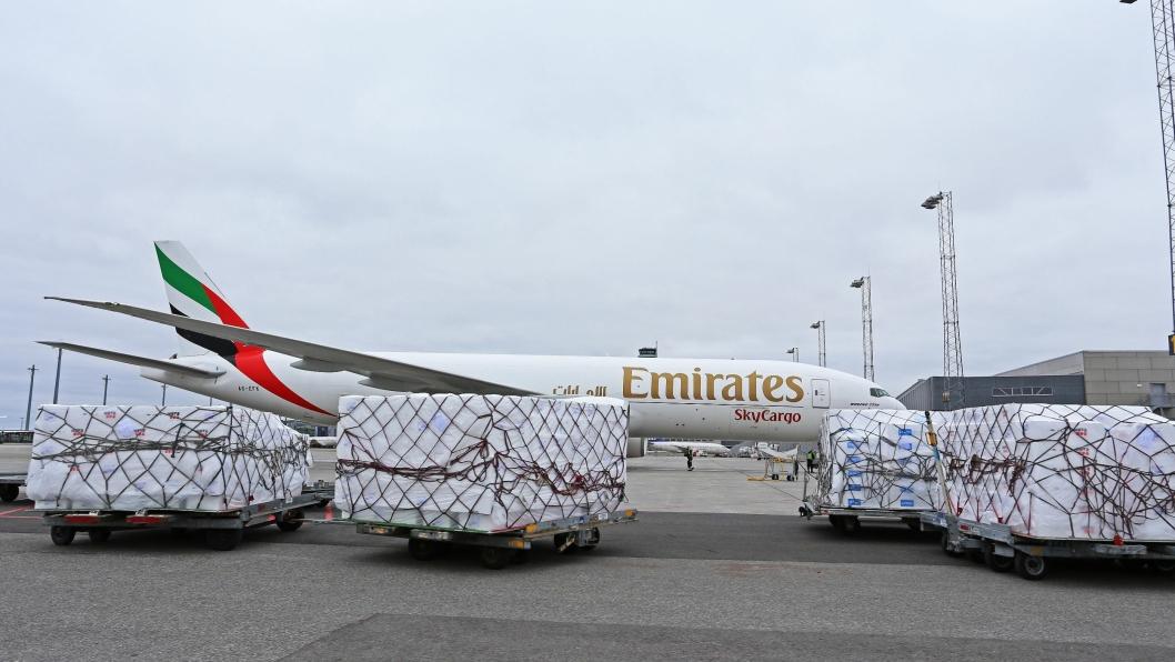 11. oktober startet også Emirates SkyCargo opp med rene fraktflyvinger fra Oslo Lufthavn. De vil fly ukentlig til Dubai med en Boeing 777-200F. Disse maskinene har en lastekapasitet på 104 tonn. Også denne ruten vil bli flydd på tirsdager med avgang fra OSL kl. 13.00. Foto: OSL
