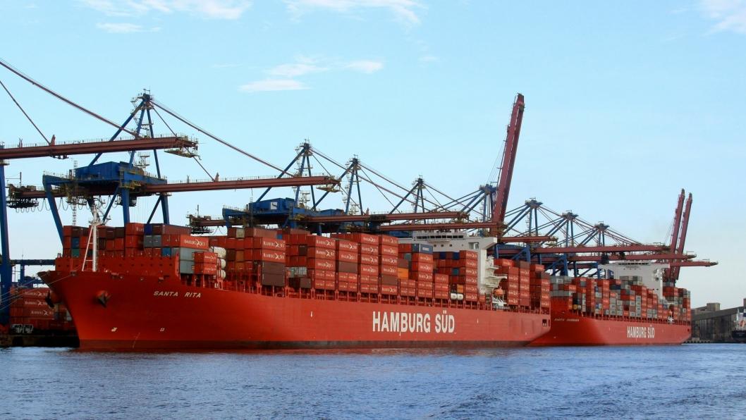 Hamburg Süd er verdens syvende største containerrederi, men eieren vurderer nå å trekke seg ut av shipping.