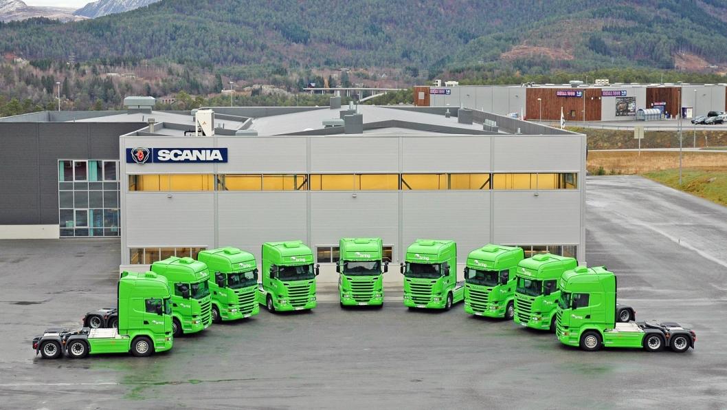130 av de nye bilene er flunkende ny Scania-er.