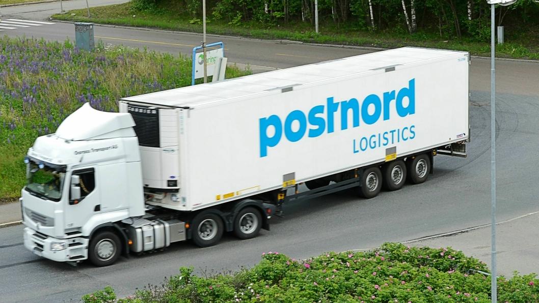 Posten bruker statsstøtte-penger til å kjøpe opp konkurrerende transportselskaper og legge dem inn under sin kommersielle tjeneste Bring, mener konkurrentene PostNord og DB Schenker.
