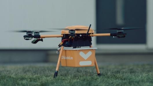 Kolonial har testet ut en drone som kan levere to kg matvarer.