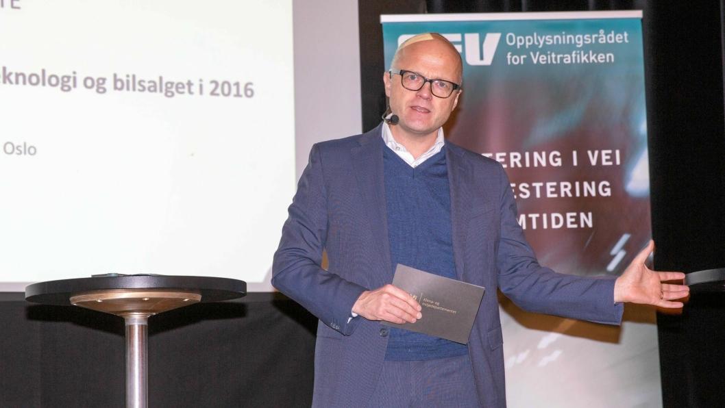 Klima og miljøminister Vidar Helgesen håper at satsing på miljøvennlig drivstoff i Norge, kan gi Norge en konkurransefordel om vi er tidlig ute med teknologien.