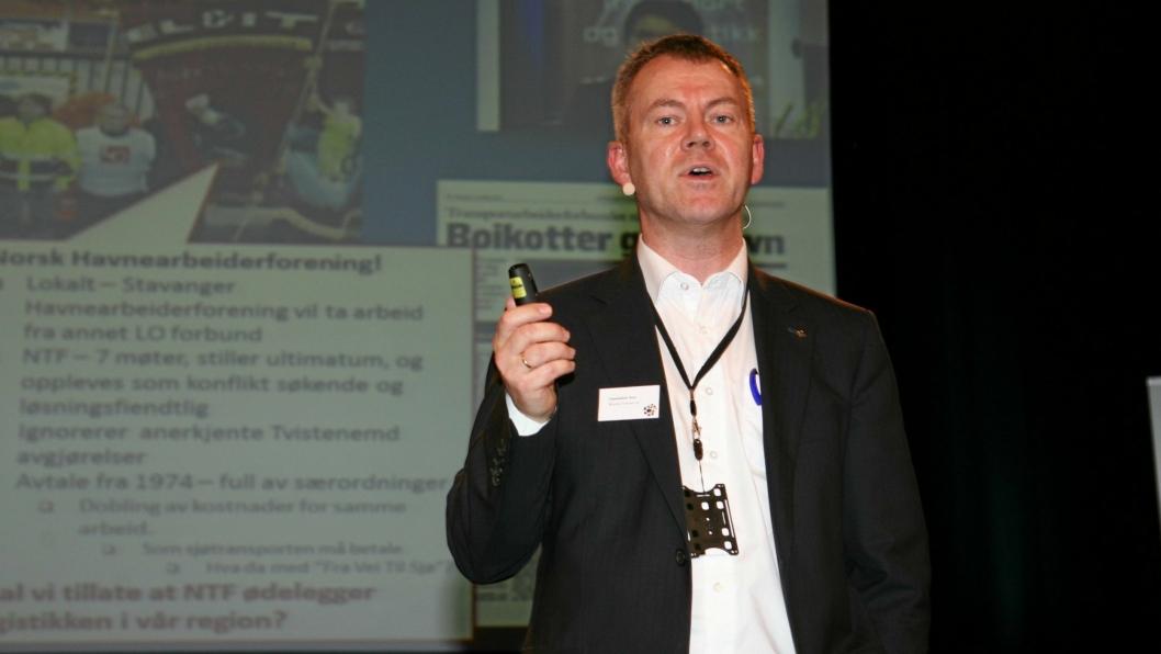 Adm. direktør Kurt Ommundsen i Risavika Terminal så ingen virkning av boikotten fra transportarbeiderne. Først tre år etter er havnearbeiderstreiken avblåst. Foto: Per Dagfinn Wolden