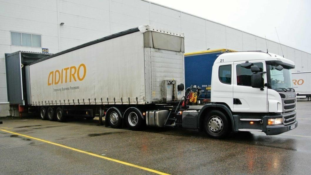 IKEAs trekkvogner og fleksibiler er fra Scania, og de har Allisons helautomatiske girkasser fra 3000-SeriesTM. Kjøretøyene er spesialkonstruerte med lowentry-hytter som er flyttet fremover. Foto: Allison