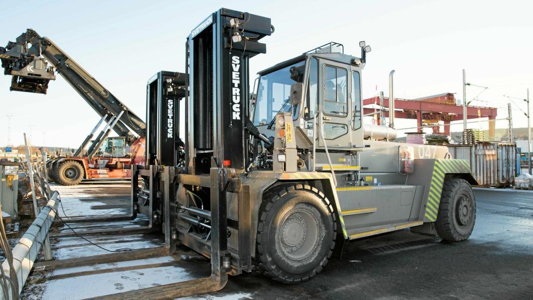FLUNKENDE NYE: De nye 25-tonnerne fra Svetruck er klare for beinharde arbeidsuker på Alnabru-terminalen.