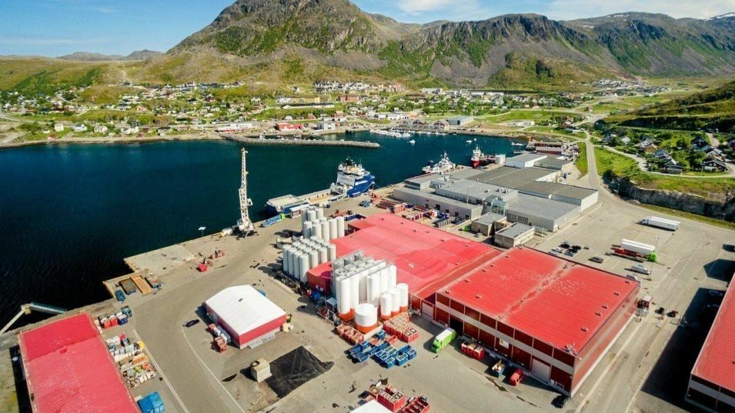 Barentshavets hovedbase for olje- og gassrettet virksomhet ligger i Hammerfest kommune, nærmere bestemt i Rypefjord, 5 km fra Hammerfest sentrum.Foto: Polarbase