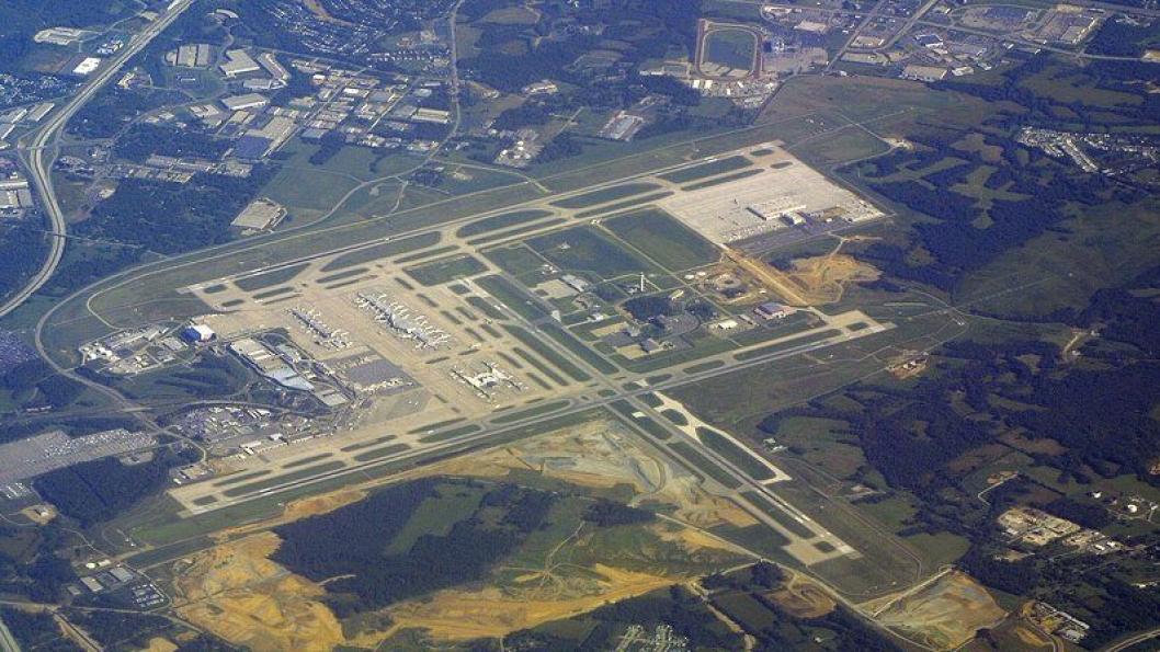 Her ved CVG kommer Amazons hub. Øverst til høyre sees DHLs anlegg ved flyplassen.