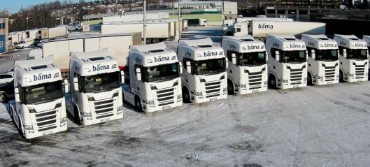 Ti nye Scania-er levert til Bama