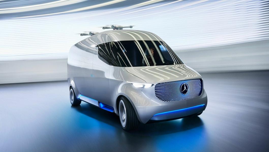 Daimler har lagt ved dette bildet av konseptbilen adVance som har flere løsninger som konsernet ser for seg kan komme i daglig bruk i elektriske varebiler om ikke lenge. Men det er etter det MTlogistikk.no kjenner til ikke slike biler som skal slippes ut på tyske veier i hundretall fra 2018 til 2020. Foto: Daimler