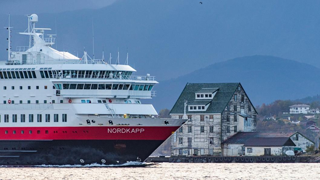 Hurtigrutens avtale løper fram til senes 2020. Etter det kan et annet selskap få avtale om fergeruten mellom Bergen og Kirkenes.