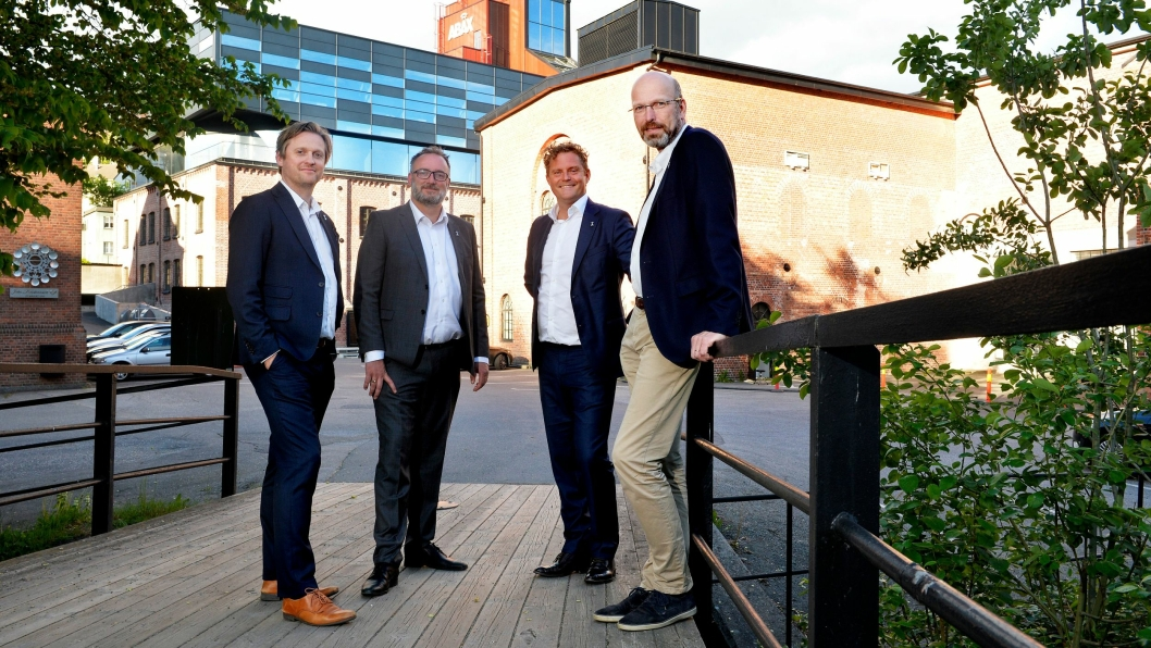Abax-ledelsen gleder seg til å fortsette med ny eier i ryggen. Fra venstre: Håkon Grønn-Weiss, Chief Business Development, Jan Tore Berg, CSO, Bjørn Erik Helgeland, COO, og Petter Quinsgaard, CEO.