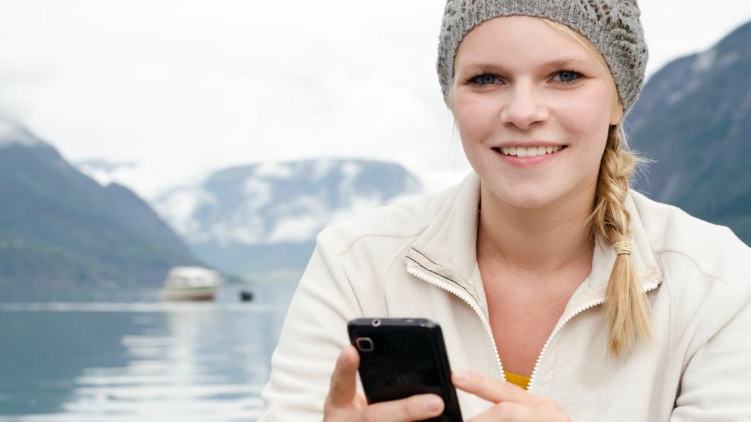 Mobiltelefonen har gjort det lett å netthandle uansett hvor man er.