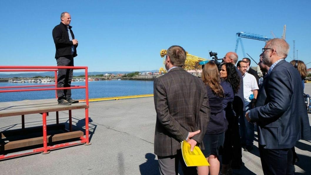 - Vi ønsker å stimulere til flere fraktlinjer på sjø. Samtidig trenger vi gode veier til havna, understreket samferdselsminister Ketil Solvik-Olsen som var tilstede under avtaleinngåelsen av det historiske industrisamarbeidet i Midt-Norge.