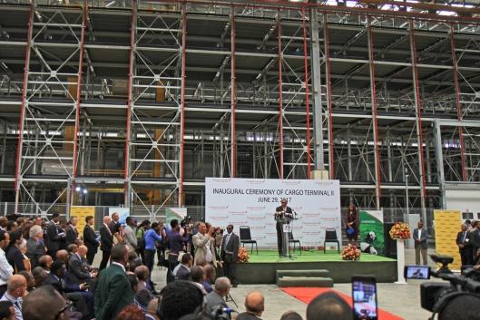 Ethiopias statsminister Hailemariam Desalegn holdt tale under åpningen.