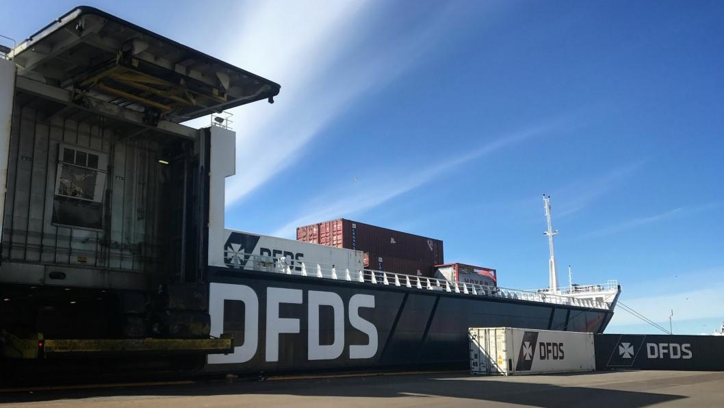 Lybris, med både container og ro/ro-kapasitet på sitt første besøk i Fredrikstad med containere.