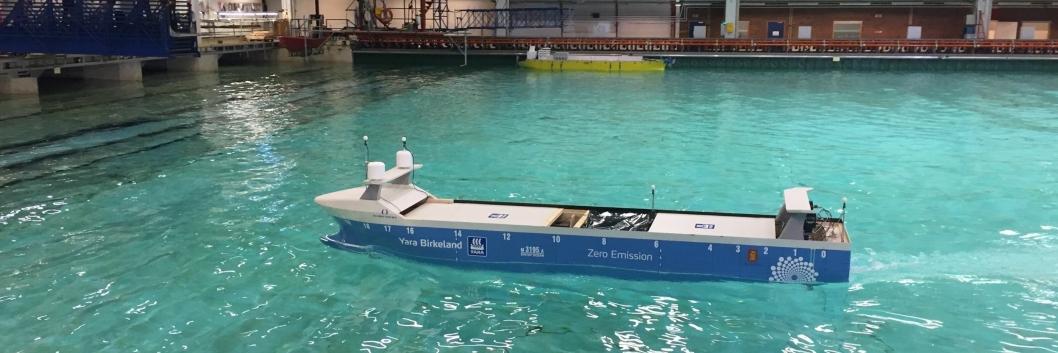 Modellskipet som ble testet i Trondheim er ennå ikke autonomt, men fjernstyrt.