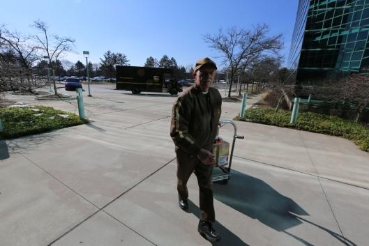 Tom Camp leverer pakker og dokumenter til UPS' kunder i Detroit.
