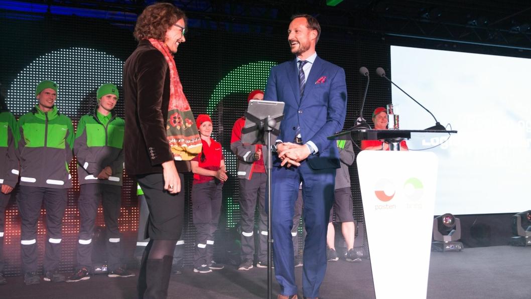 Sammen med konsernsjef i Posten Norge, Tone Wille, åpnet kronprins Haakon Magnus Postens nye logistikksenter torsdag.