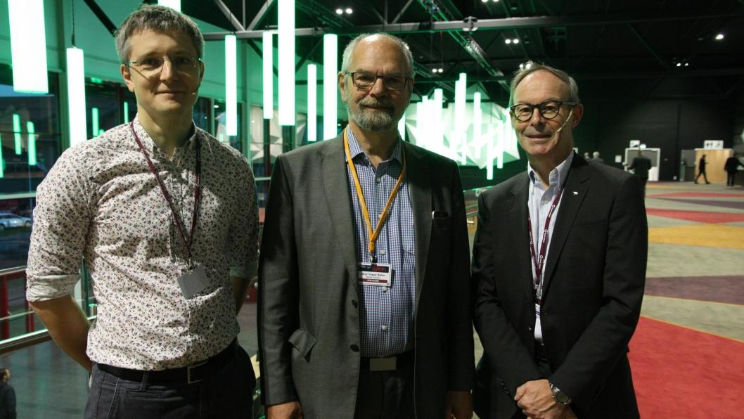 Axel Andreas Transeth, SINTEF, møteleder Bror Yngve Ramm, Norsk Industri og Morten Skurdal DHL Express etter sesjonen om droner på Gardermoen.