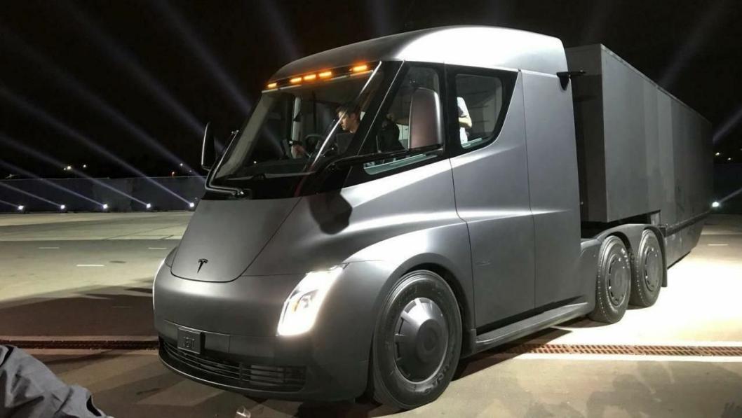 Tesla Semi ble presentert i California natt til fredag norsk tid.
