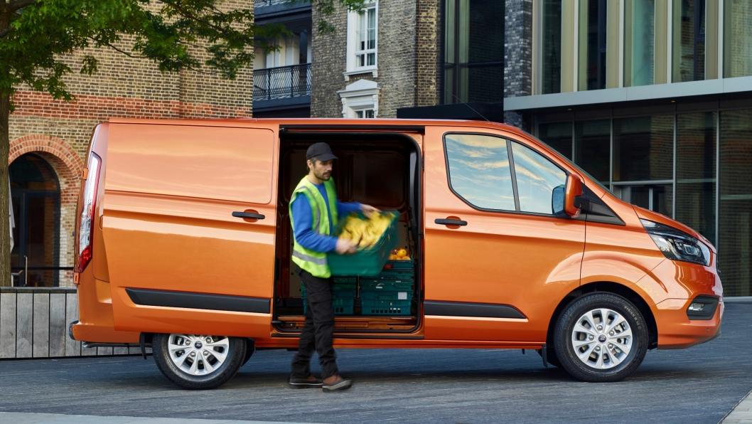 Ford lover at nye Ford Transit Custum er mer komfortabel, mer praktisk og propfull av nyttige funksjoner.