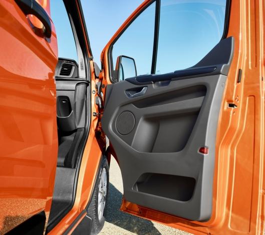 I nye Transit Custom er det en rekke oppbevaringsrom som kan romme alt fra A4-mapper til forskjellige typer mobilt kontorutstyr.