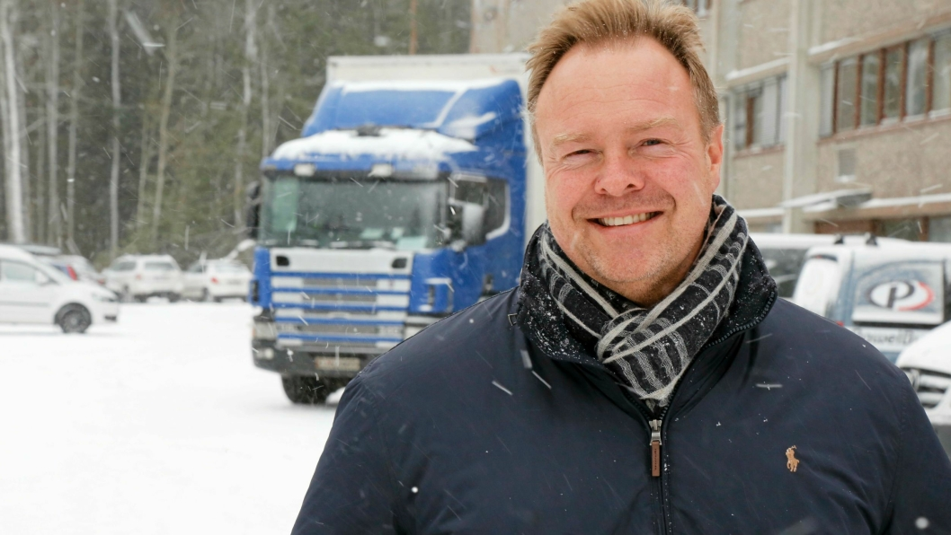 NYTT PRODUKT: Rune Holtan og Pluss Truck Sales & Rental AS lanserer fleksibel leasingavtale for trekkvogner.