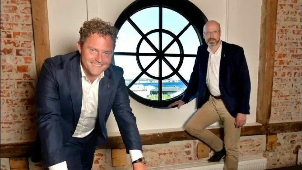 F.v. Bjørn Erik B. Helgeland, COO ABAX Group, Petter Quinsgaard, CEO ABAX Group.