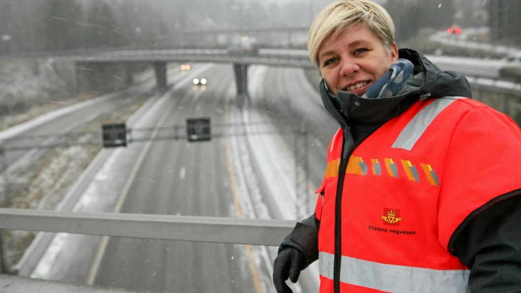 Elin Bustnes Amundsen i Statens vegvesen understreker meget sterkt at det ikke er gitt at E18-etappen i Hobøl blir 200 millioner kroner dyrere enn ventet. Foto: Per Dagfinn Wolden