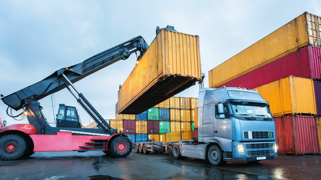 Dersom en container er plombert, kan avsender ilegges hele eller deler av et eventuelt overlastgebyr.