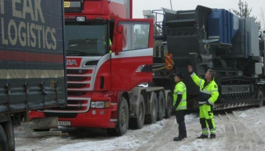 Over 50.000 tunge kjøretøy ble kontrollert i fjor vinter for å sjekke om vinterutstyret var i orden. (Foto: Statens vegvesen)