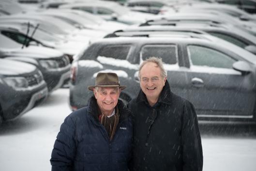 Styreformann Johan Baumann(t.v.) og havnedirektør Einar Olsen kan glede seg over nok et sterkt år ved Drammen havn med ny bilrekord og et driftsresutlat på 21 millioner kroner i 2017. Foto: Torbjørn Tandberg