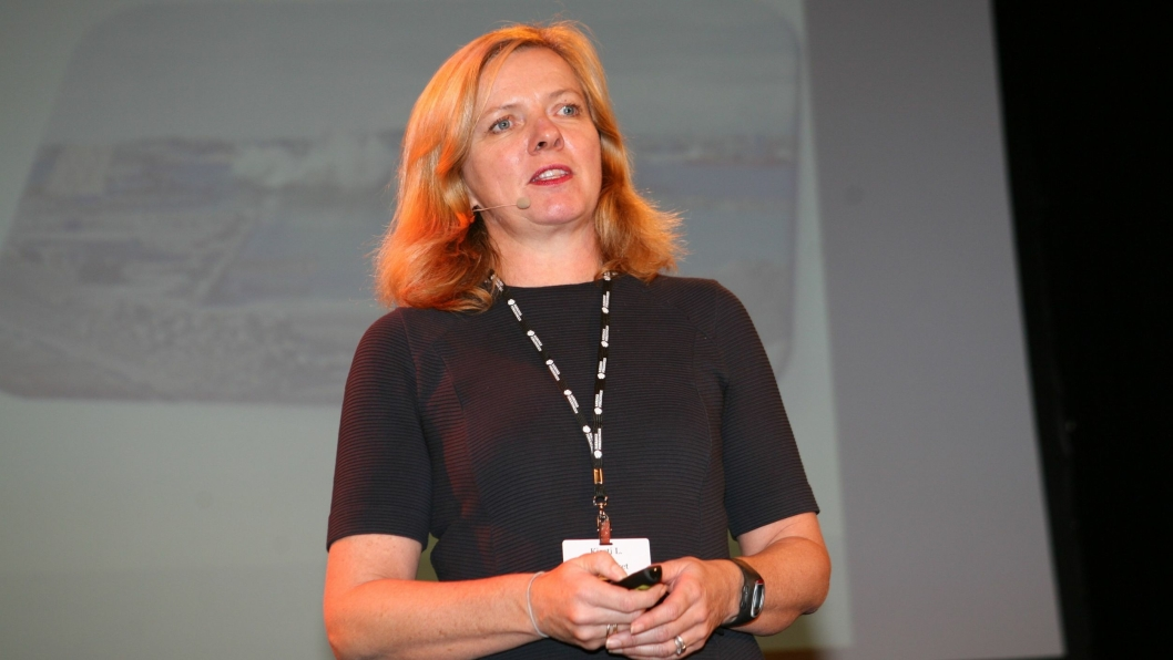 Kirsti Slotsvik tar nå grep om godset på skinner som ny jernbanedirektør. Foto: Per Dagfinn Wolden