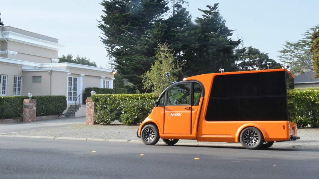 SELVKJØRENDE: Amerikanske udelv har hatt sine første tester på offentlig vei med sin autonome og elektriske distribusjonsbil.