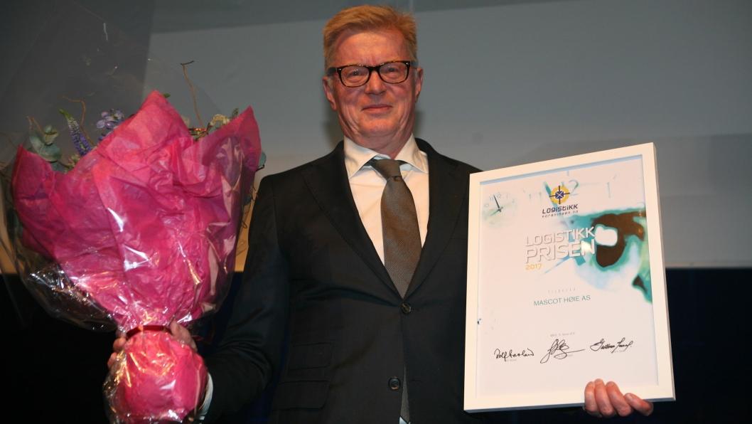 Innkjøpssjef Fredrik Manum i Mascot Høie mottok Logistikkprisen 2017 under festmiddagen på Logistikkforeningens Røroskonferanse lørdag kveld. Foto: Per Dagfinn Wolden.