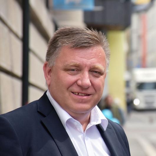 NLF-direktør Geir A. Mo er kritisk til manglende sanksjoner mot dem som tar ukehvil i førerhuset i Norge.