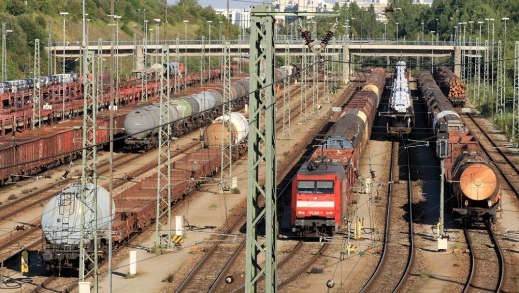 DB Cargo har 70.000 godsvogner. I løpet av få år blir alle digitale og knyttet opp mot nettet.