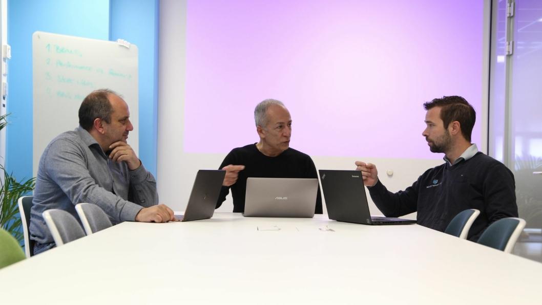 AMBISIØS TRIO: Fra venstre Nicola Vino, daglig leder Mavi Logistikk, Vittorio Pinelli, Head of Business and Development for Mavi SIS og Tommy Larsen, daglig leder ASAP