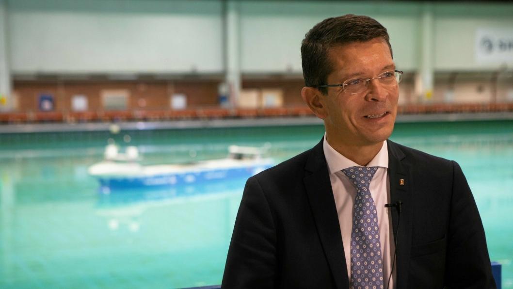 Konsernsjef Kongsberg Gruppen, Geir Håøy, satser nå på autonome skip sammen med Wilhelmsen.