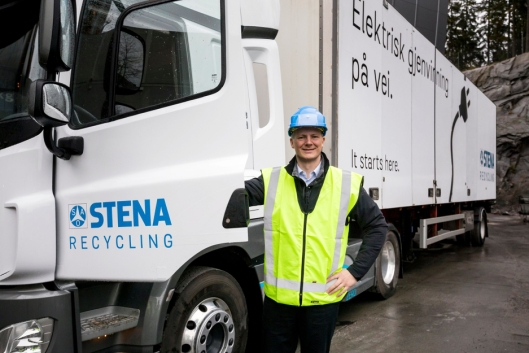 – Det er svært positivt å se den utviklingen som skjer. Lastebiler med nullutslipp gir både miljø- og støygevinster. Det blir en bedre arbeidsplass for sjåførene, og bedre omgivelser for innbyggerne, sier samferdselsminister Ketil Solvik-Olsen.