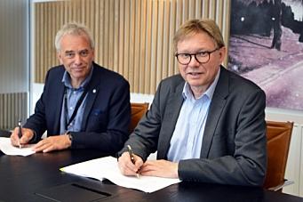 Signerte avtale om nytt lager