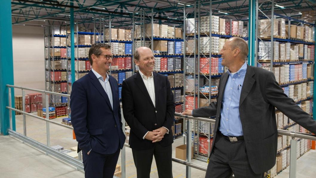 CEO i Leman Thomas Krøyer (fra venstre), eier Phillippe Ziegler og country manager i Norge Egil Wilhelms gleder seg over de nye og lyse lagerlokalene.