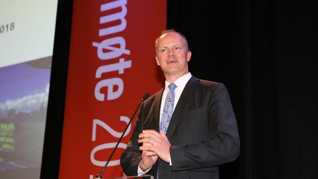 Samferdselsminister Ketil Solvik-Olsen meddelte NLF-landsmøtet at han er mot liberalisering av kabotasjereglene i EU. Foto: Per Dagfinn Wolden